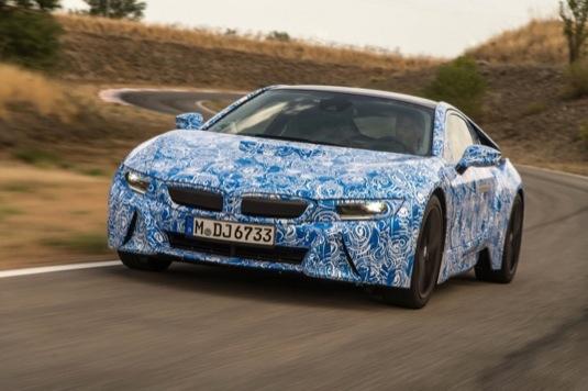 auto BMW i8 plug-in hybrid prototyp