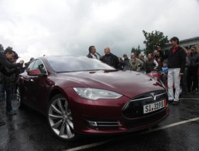 auto autosalon Ústí nad Orlicí elektromobil Tesla Model S František Kubiš