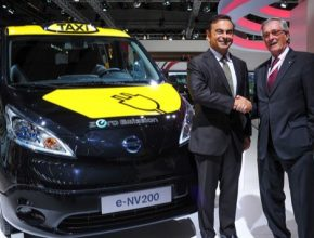 auto Nissan e-NV200 taxi
