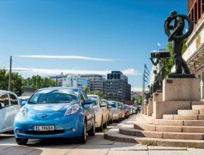 auto Norsko Oslo rekord jízda elektromobilů Nissan Leaf 260,5