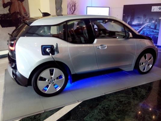 auto elektromobil BMW i3 v pražském hotelu Intercontinental