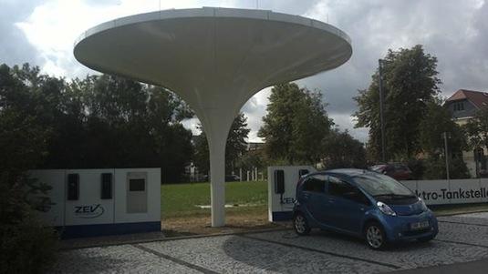 auto elektromobil Peugeot iOn