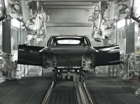 auto Tesla Model S výroba v továrně Fremont