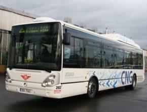auto autobus CNG Pardubice