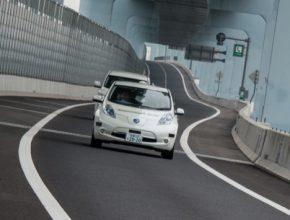 auto elektrické auto Nissan Leaf autonomní robotická auta Japonsko prefektura Kanagawa