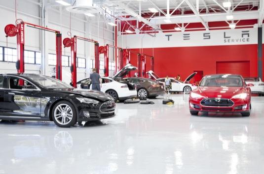 auto servisní centrum Tesla Motors