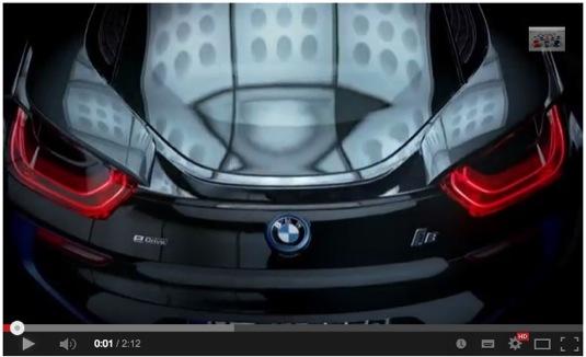 auto BMW i8 plug-in hybrid laserové světlomety