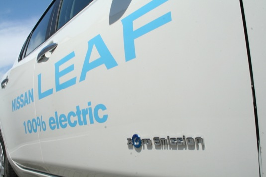 auto elektromobil Nissan Leaf dveře zero emission