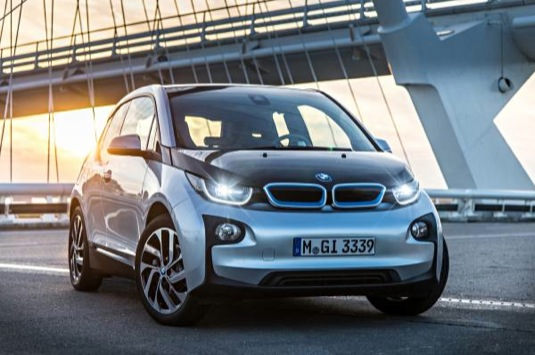 auto elektromobil BMW i3 elektrické auto