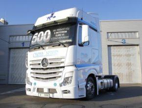 auto nákladní auto tahač Mercedes-Benz Euro 6