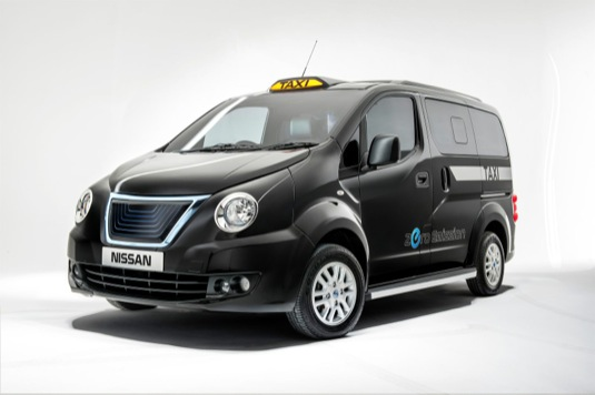 auto Nissan e-NV200 Londýn taxi elektrická dodávka