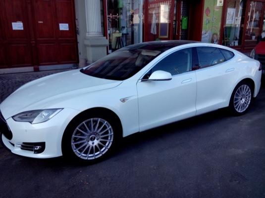 auto elektromobil Tesla Model S Praha Smíchov Martin Hejtmánek