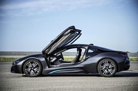 auto BMW i8 plug-in hybrid