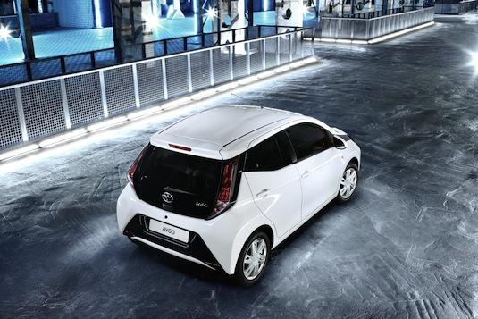 auto nová Toyota Aygo autosalon Ženeva 2014