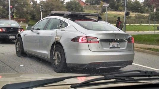 auto video testovací mula Tesla Model X - elektromobil Tesla Model S