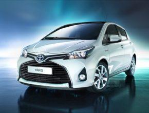 auto nová Toyota Yaris prochází modernizací