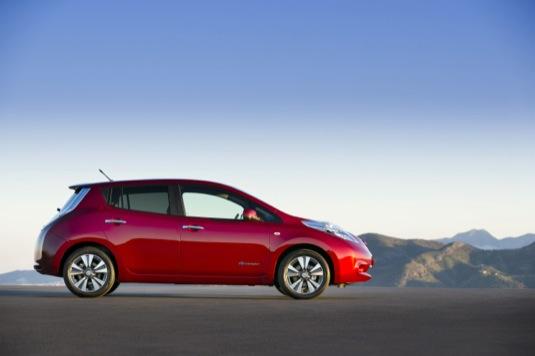 auto Nissan Leaf elektromobil elektrické auto
