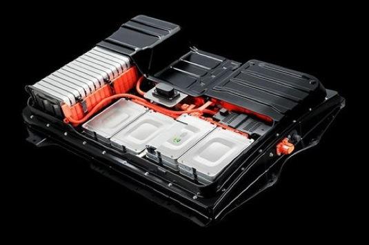 auto nová baterie pro elektromobil Nissan Leaf