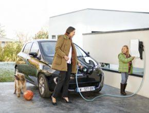 auto elektromobily Schneider Electric domácí dobíjecí stanice EVlink