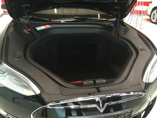 auto elektromobil Tesla Model S zkušenosti