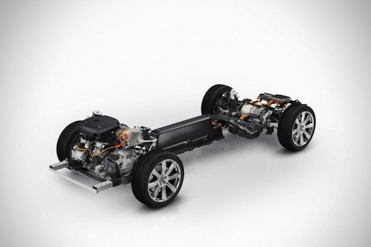 auto Volvo XC90 plug-in hybrid twin engine