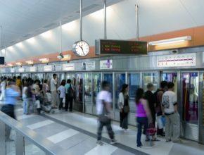 Pekingské metro patří knejvytíženějším na světě – denně přepraví zhruba 7,6 milionů pasažérů. Systémem Trainguard MT jsou vybaveny dvě jeho linky, jimiž denně projede zhruba jeden milion cestujících.
