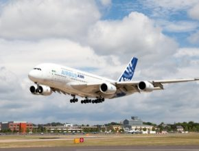 auto letadlo Airbus A380 letectví