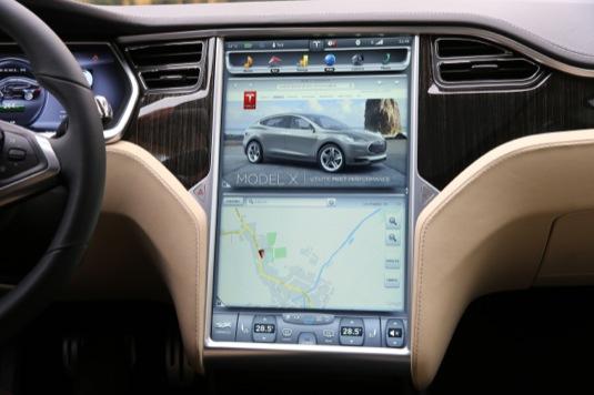 auto elektromobil tesla model s firmware update v 6.0