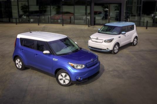 Nové elektromobily Kia Soul EV jsou k dostání už také v České republice. Čekací doba na dodání jsou 4 měsíce (tak jako u jiných typů aut)