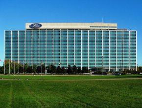 auto LED osvětlení Ford budova automobilky