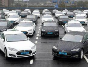 amsterdam letiště Schiphol elektromobily Tesla Model S taxi