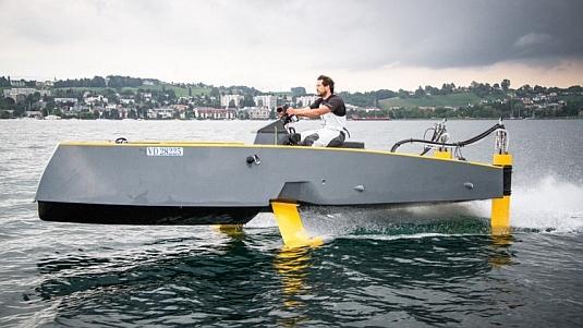 Okřídlená loď HY-X