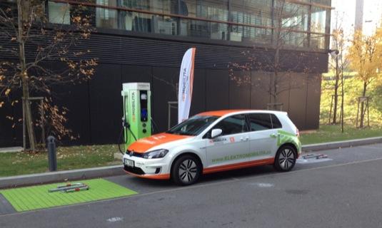 auto elektromobil Volkswagen e-Golf ČEZ rychlo-dobíjecí stanice Duhová