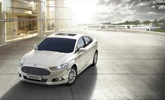 auto nový Ford Mondeo Hybrid