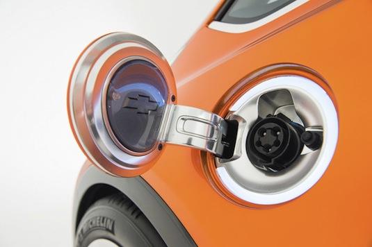 auto Chevrolet Bolt elektromobil auto autosalon Detroit 2015