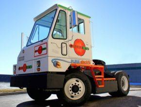auto Orange EV elektromobil elektrický truck tahač letiště