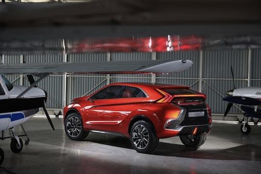 auto Autosalon Ženeva 2015: Mitsubishi Concept XR PHEV II