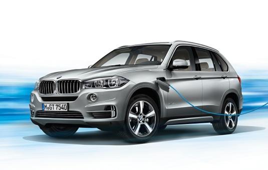 auto BMW X5 xDrive40e - první sériový plug-in hybrid