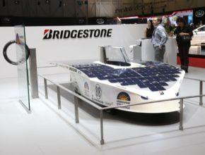 Solární auta pohání výhradně energie slunce
