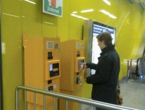 Bezkontaktní platební terminály jsou i v České republice čím dál tím častější