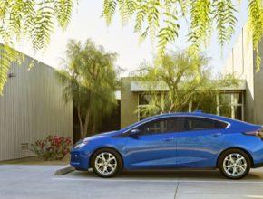 auto plug-in hybrid Chevrolet Volt