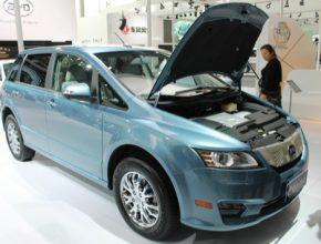 auto elektromobil BYD e6
