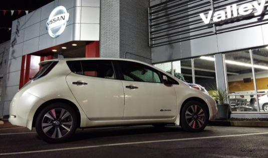 auto elektromobil Nissan Leaf 2é16