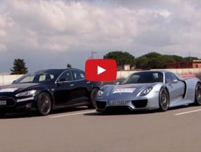 auto elektromobil Tesla Model S P85D vs Porsche 918 Spyder plug-in hybrid