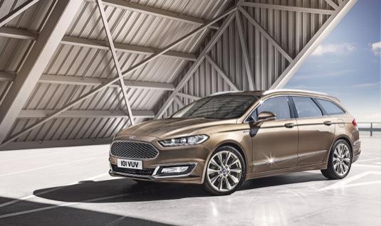 auto Ford představil v Česku hybridní Mondeo