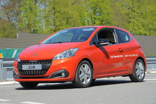 auto Peugeot 208 rekord