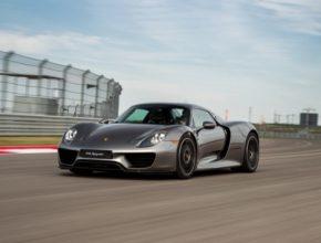 auto Porsche 918 Spyder plug-in hybrid