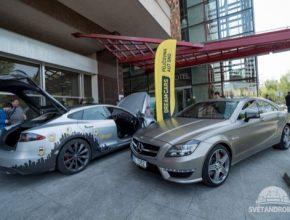 Na Alza Android Roadshow 2015 jsou k vidění také chytrá auta, včetně elektromobilu Tesla Model S