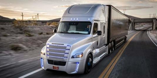 auto robotický kamion Freightliner nákladní auto truck kamion