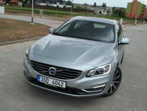 auto test Volvo V60 Plug-in hybrid